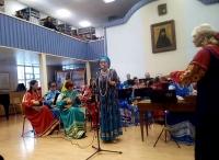 Выступление воскресной школы в актовом зале семинарии